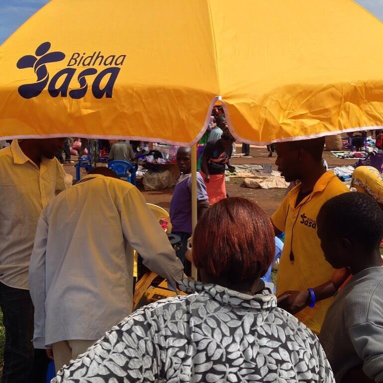 Market activation day in Matete. Protected from the sun and rain